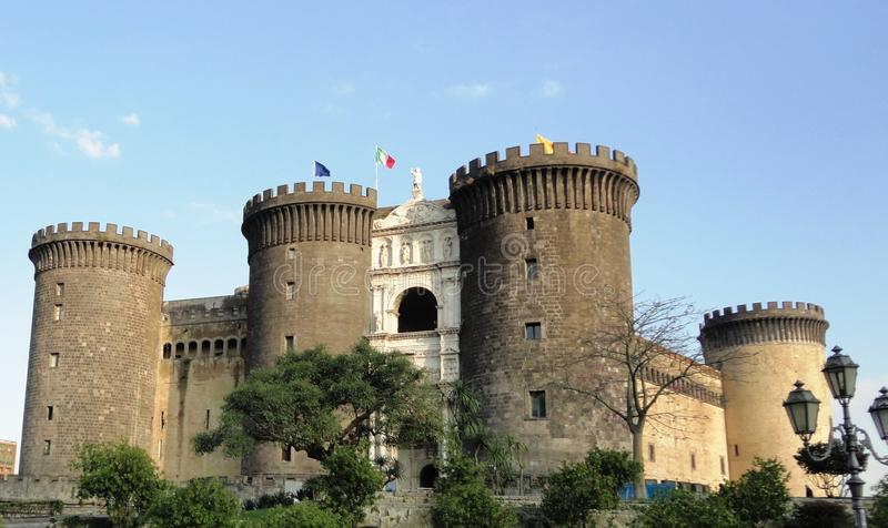een verschillend perspectief, een oud kasteel in Italië royalty-vrije stock foto
