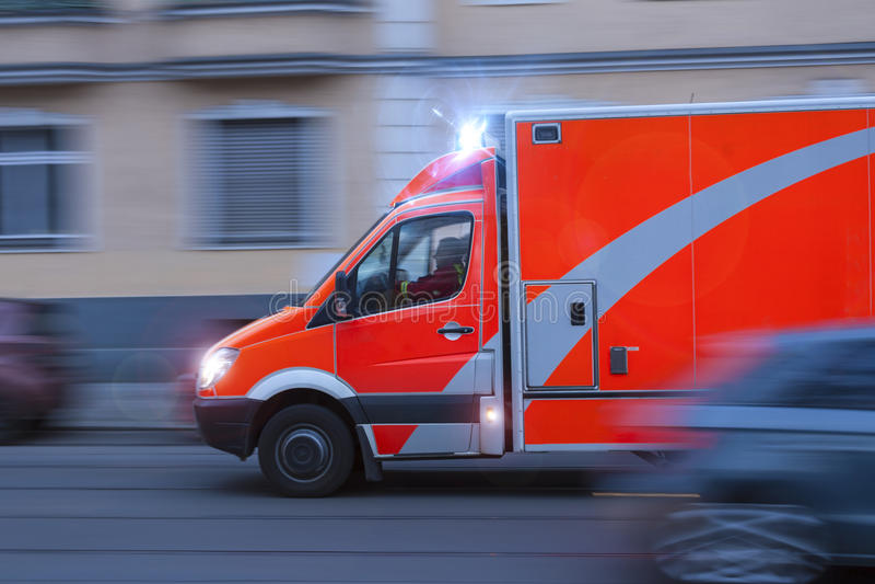 Een verzendende ziekenwagen stock foto