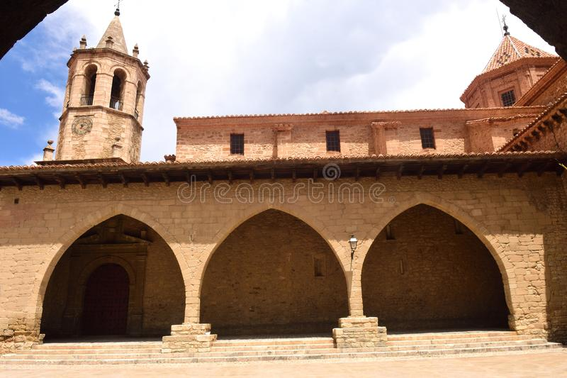 Een vierkant van Cristo Rey, Cantavieja, Maestrazgo, Teruel provincie, AR stock afbeeldingen
