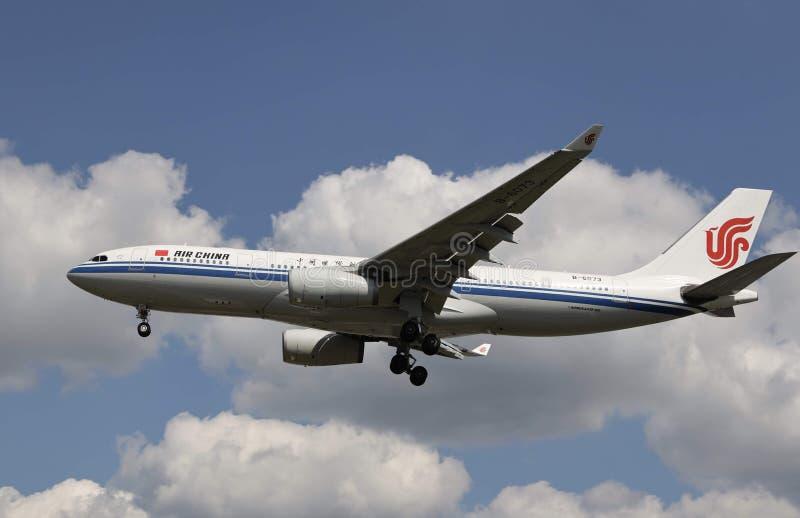 Een vliegtuig van Air China stock foto