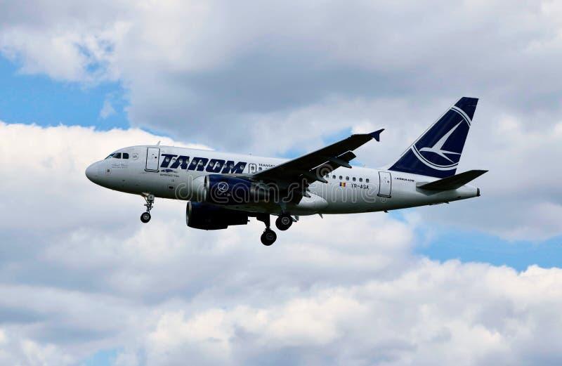 Een vliegtuig van TAROM royalty-vrije stock foto
