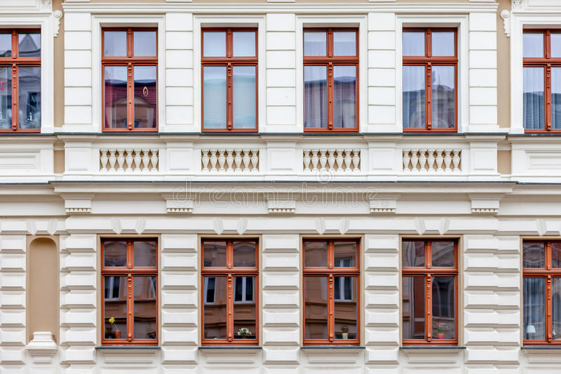 Een voorgevel van a windowed het inbouwen van Duitsland stock fotografie