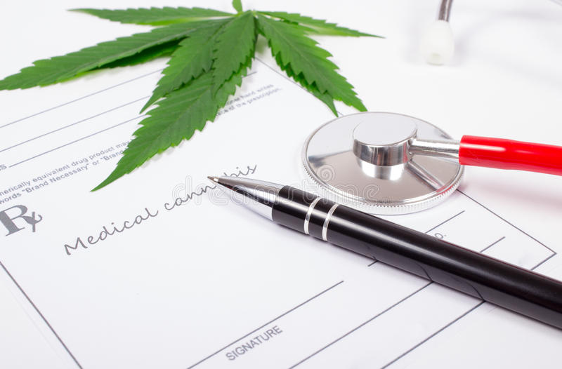 Een voorschrift voor medische marihuana stock afbeelding