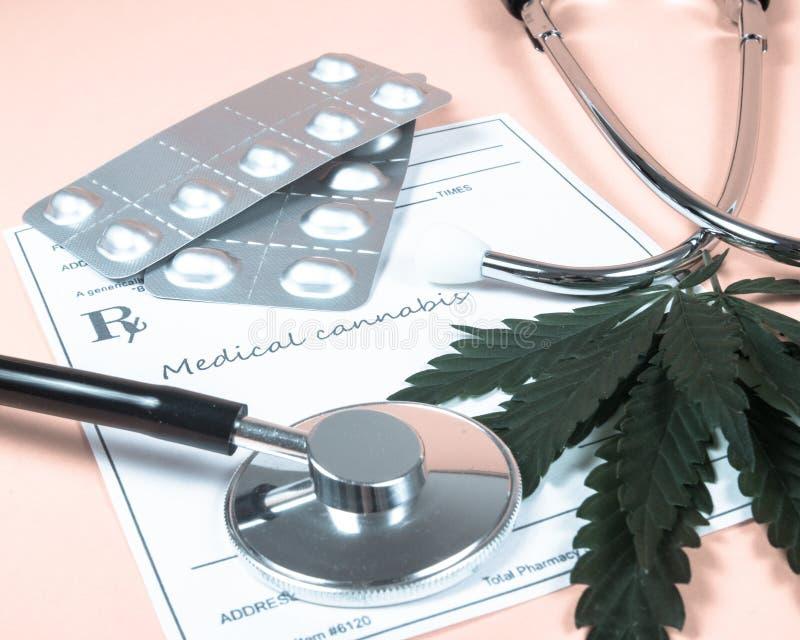 Een voorschrift voor medische marihuana royalty-vrije stock afbeeldingen