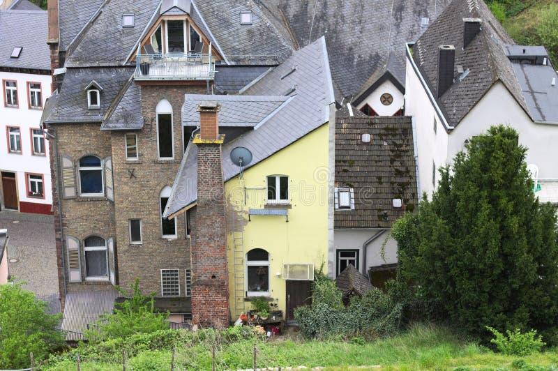 Een vreemd geel huis Bacharach royalty-vrije stock foto