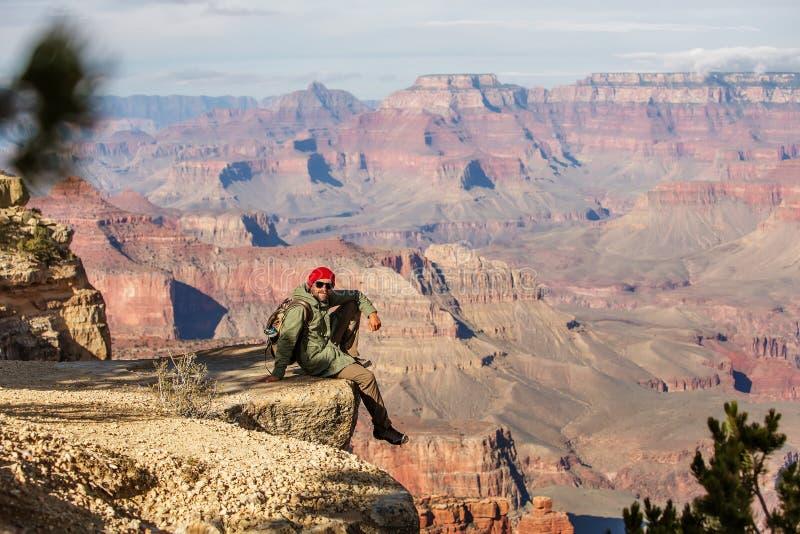 Een wandelaar in het Nationale Park van Grand Canyon, Zuidenrand, Arizona, de V.S. stock fotografie