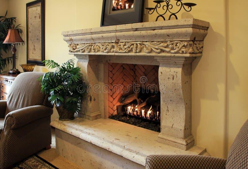 Een warme houten brand royalty-vrije stock foto's
