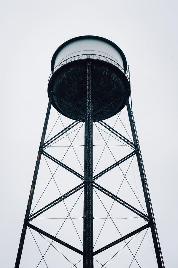 Een watertoren in Greenpoint, de Stad van Brooklyn, New York royalty-vrije stock afbeelding