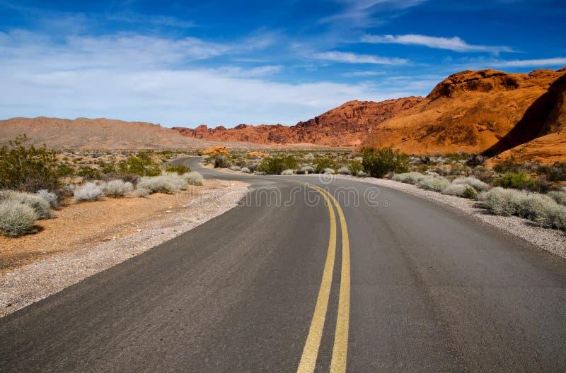 Een windende weg, Nevada stock afbeelding