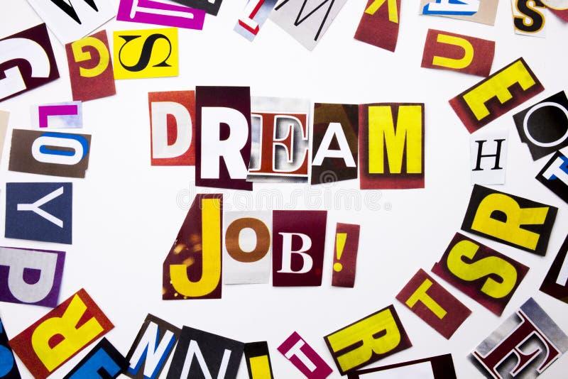 Een woord het schrijven tekst die concept Droombaan tonen die van de verschillende brief van de tijdschriftkrant voor Bedrijfsgev stock fotografie