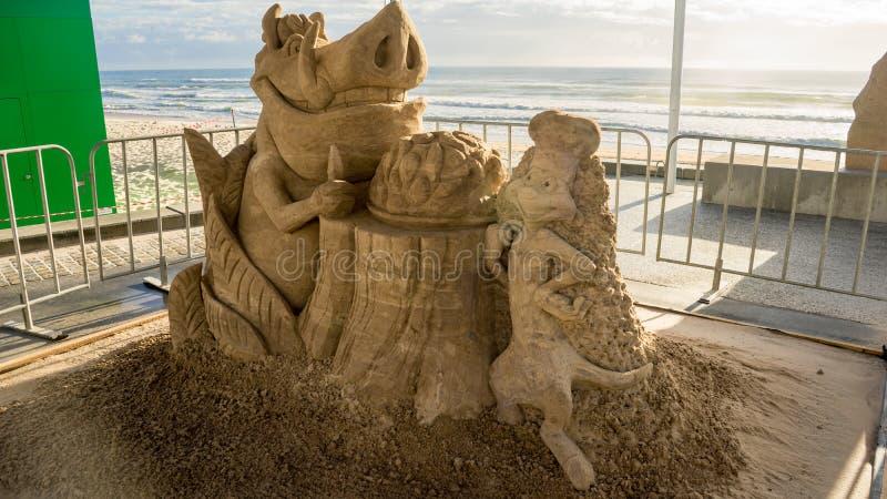 Een zandbeeldhouwwerk van de Lion King-film stock foto