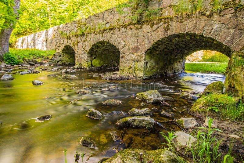 Een zeer oude stonebridge royalty-vrije stock foto