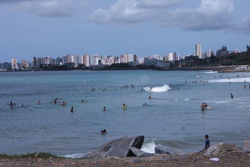 Een zonnige dag in het strand royalty-vrije stock afbeeldingen