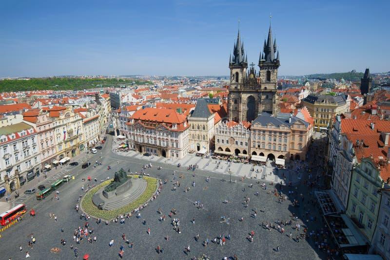 Een zonnige dag over het Stare Mesto Vierkant praag Tsjechische Republiek royalty-vrije stock foto's