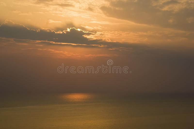 Een zonsopgang over het Egeïsche Overzees, Griekenland royalty-vrije stock foto's