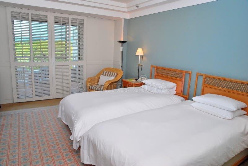 Eenspersoonsbedden in hotel royalty-vrije stock afbeelding