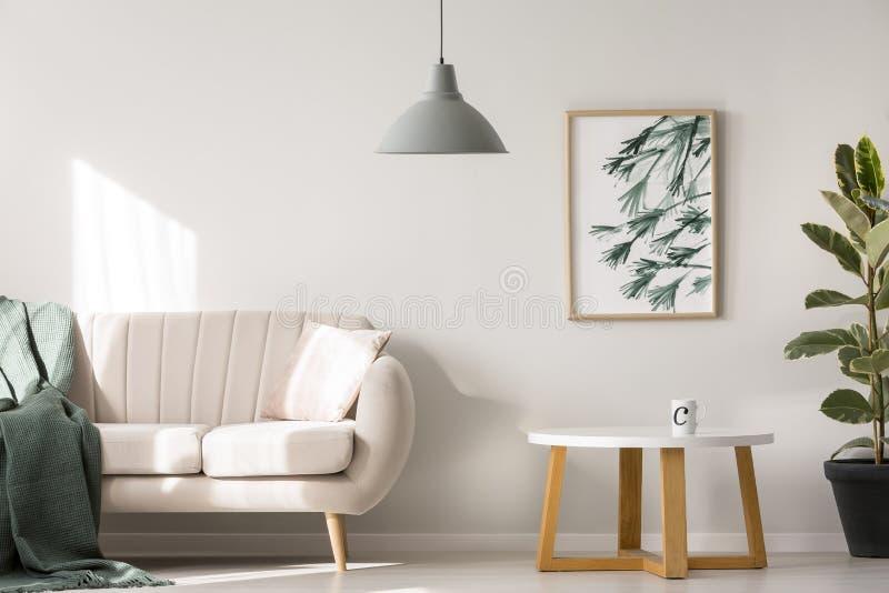 Eenvoudige affiche op muur stock afbeelding