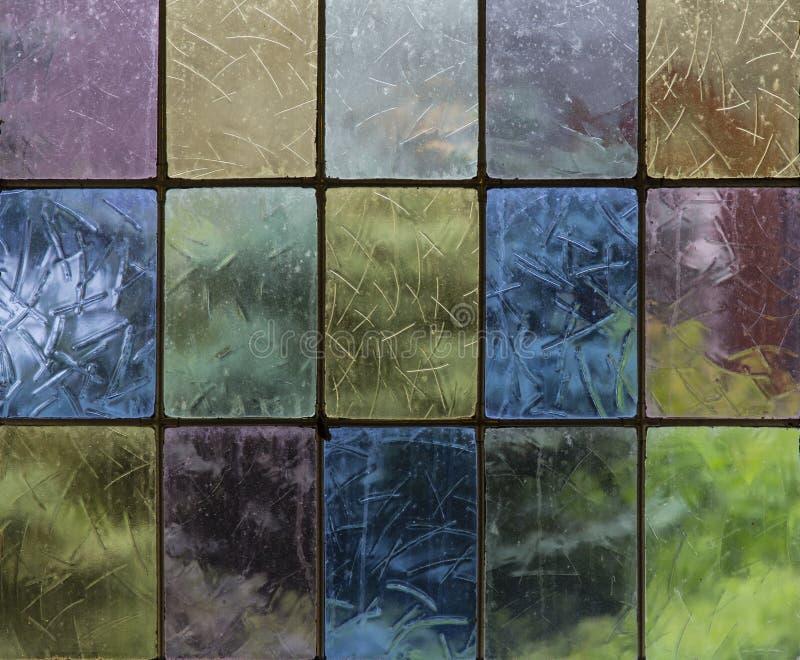 Eenvoudige gebrandschilderd glasvensters in mooie primaire pastelkleuren royalty-vrije stock foto