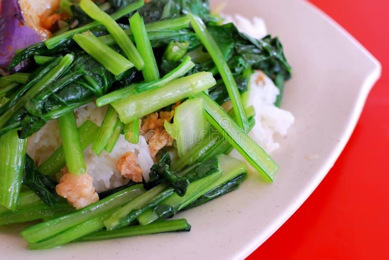 Eenvoudige vegetarische maaltijd stock foto's