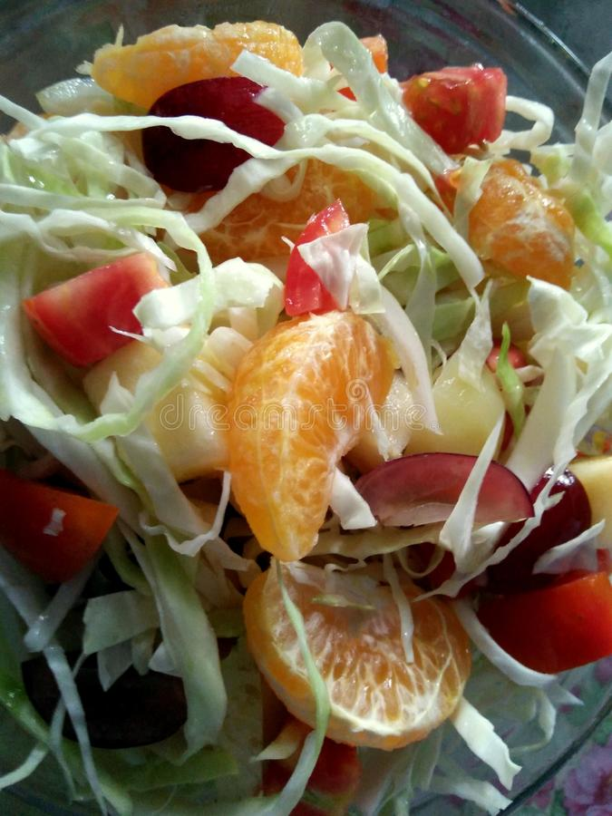 Eenvoudige verse vruchten salade royalty-vrije stock fotografie