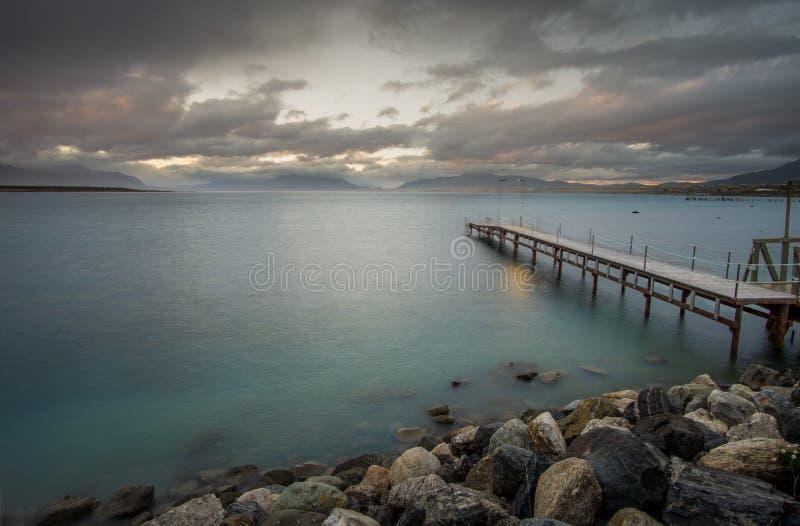 Eenzaam Dok in Zuidelijk Patagonië stock afbeeldingen
