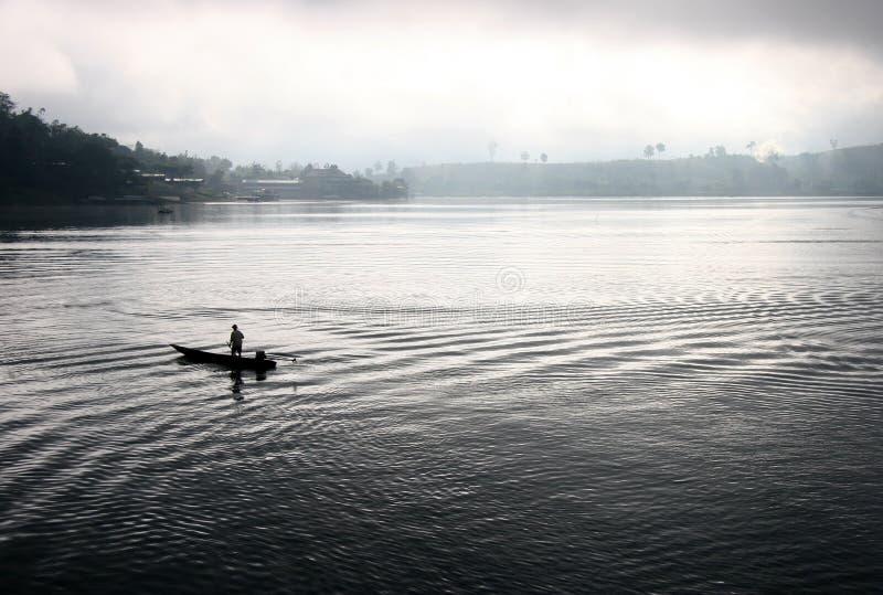 Eenzaam op het water royalty-vrije stock afbeelding