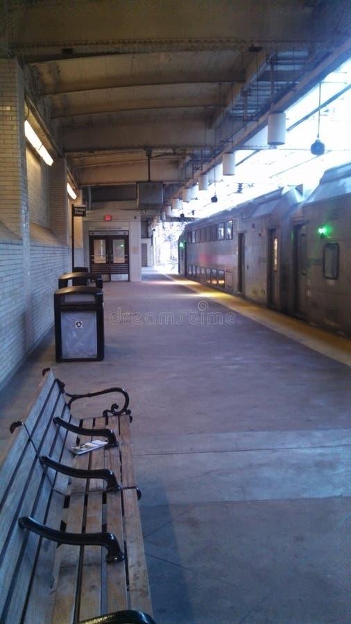 Eenzaam station stock foto's