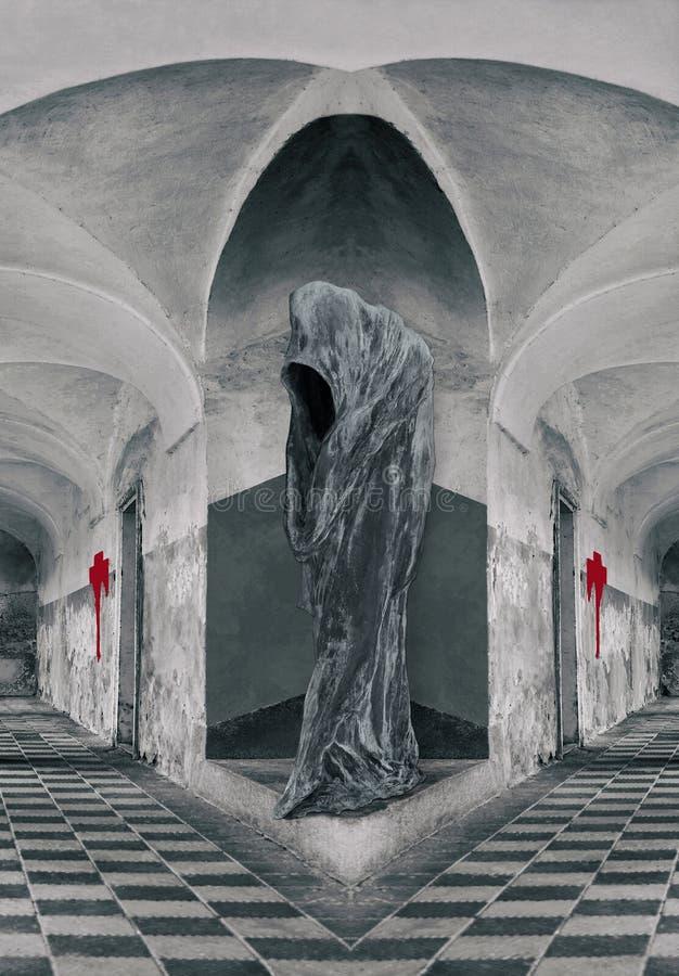 Eenzaamheid - Cijfer Met een kap in het kasteel royalty-vrije stock afbeeldingen