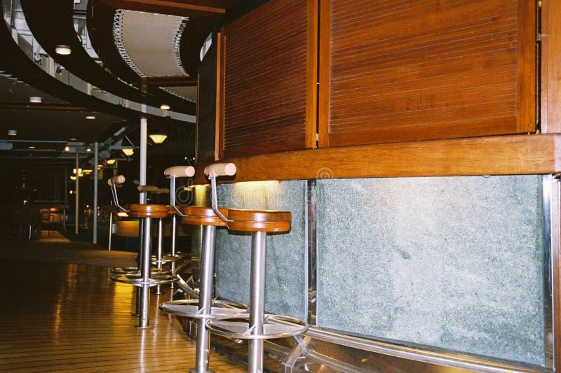 Eenzame Bar Na Uren Stock Fotografie