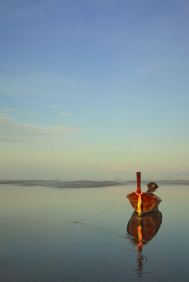 Eenzame boot stock afbeelding