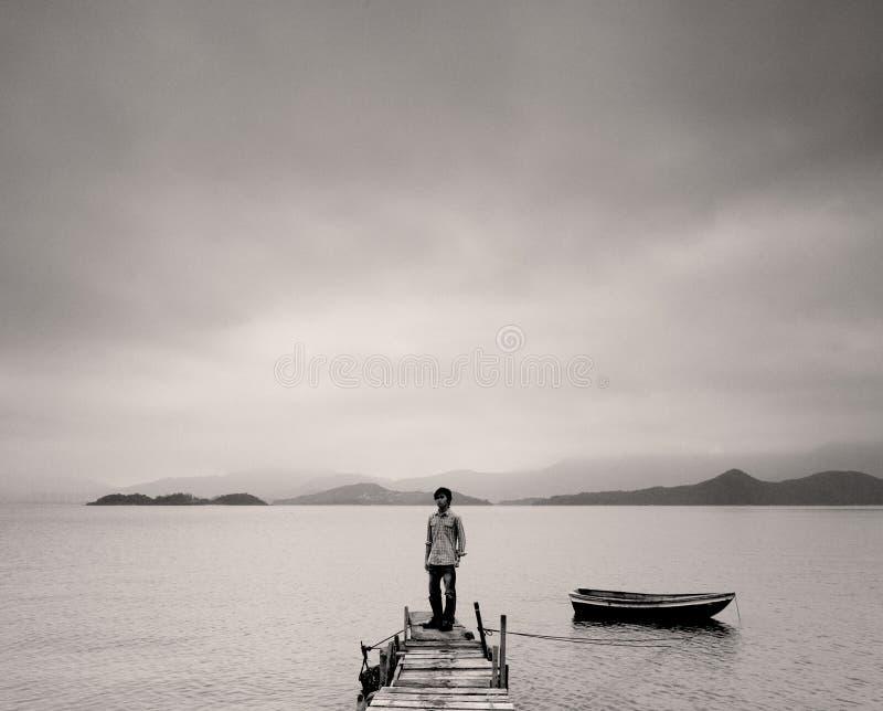 Eenzame mens royalty-vrije stock fotografie