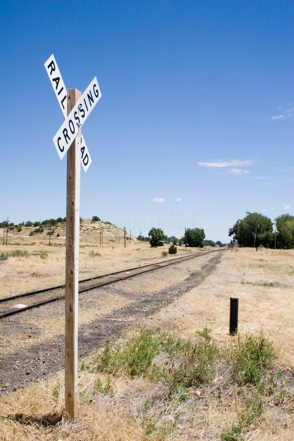 Eenzame spoorweg kruising stock afbeelding