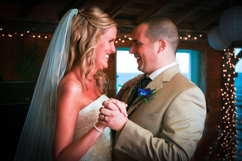 Eerste Dans voor Bruid en Bruidegom stock foto