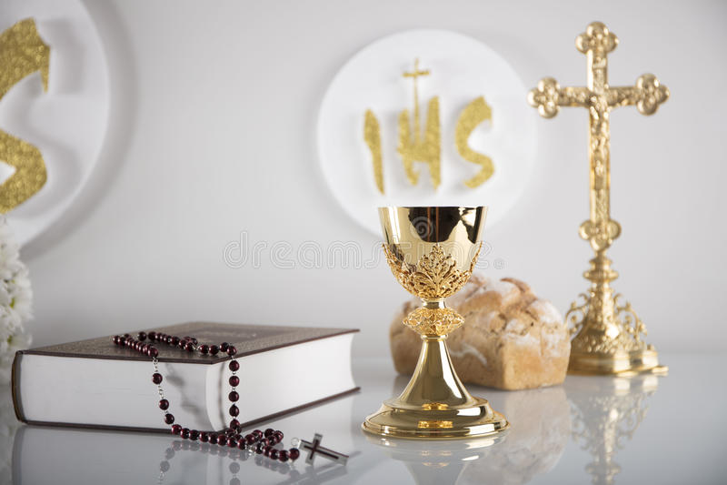 Eerste heilige kerkgemeenschap stock foto