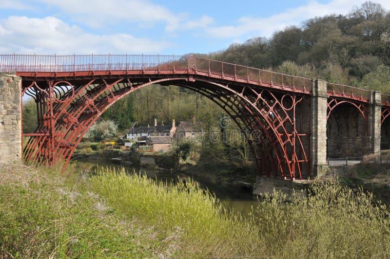 Eerste het gietijzerbrug Coalbrookdale, Engeland van de wereld stock afbeelding