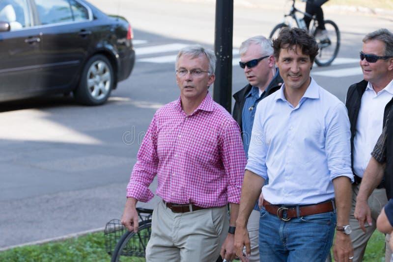 Eerste minister Justin Trudeau Walking stock foto's