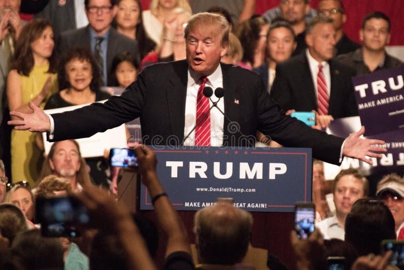 Eerste Presidentiële de campagneverzameling van Donald Trump in Phoenix stock fotografie