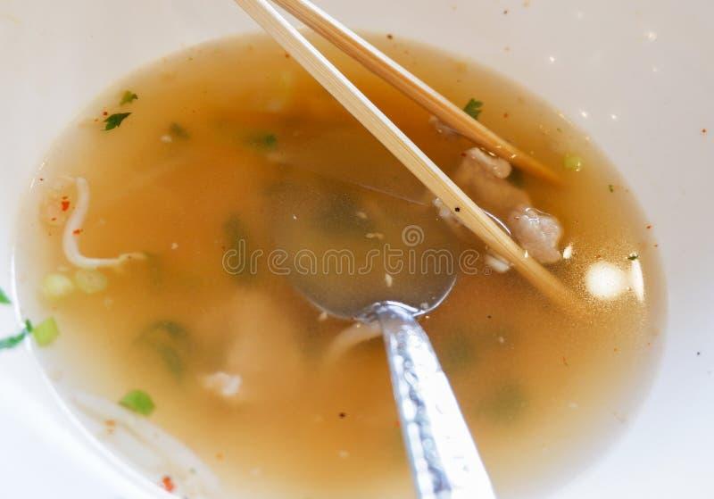 Eet reeds voedselafval stock foto's