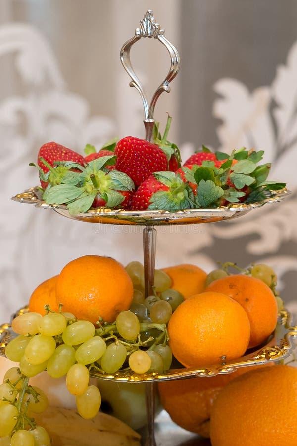 Eetbaar stilleven Vruchten, bessen, voedsel royalty-vrije stock afbeelding
