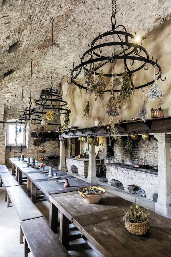 Eetkamer in Schloss Niederweiden in Oostenrijk stock afbeelding