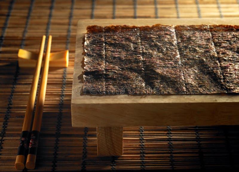 Eetstokje en zeewier royalty-vrije stock afbeelding