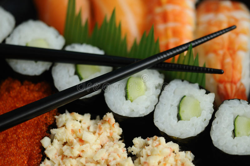 Eetstokjes en sushi royalty-vrije stock foto's