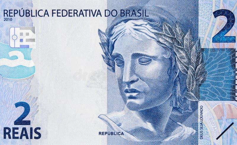 Efígie do ` s da república em Brasil 2 clos 2016 reais da cédula da moeda imagem de stock royalty free