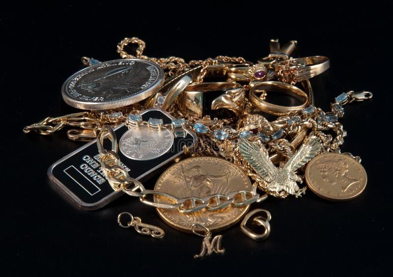 Efectivo para las joyas y el oro imagen de archivo