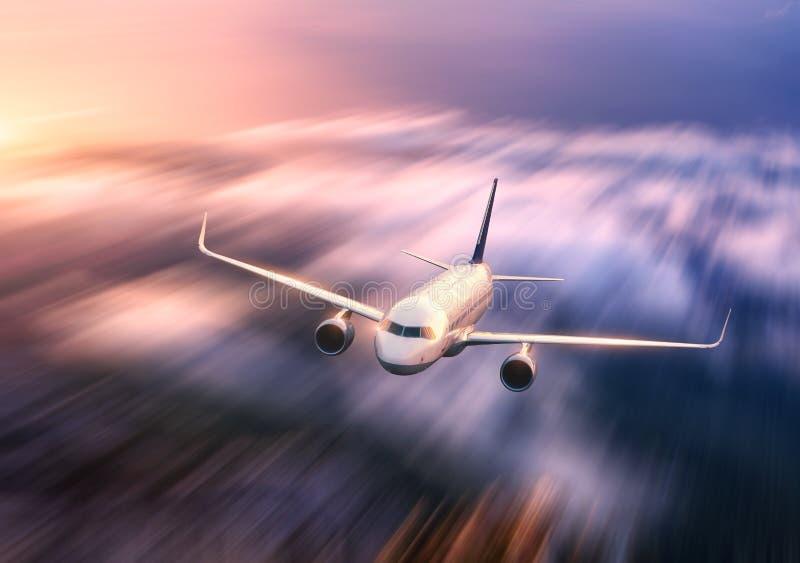 Efecto de la falta de definición de movimiento del mith del aeroplano del pasajero fotografía de archivo