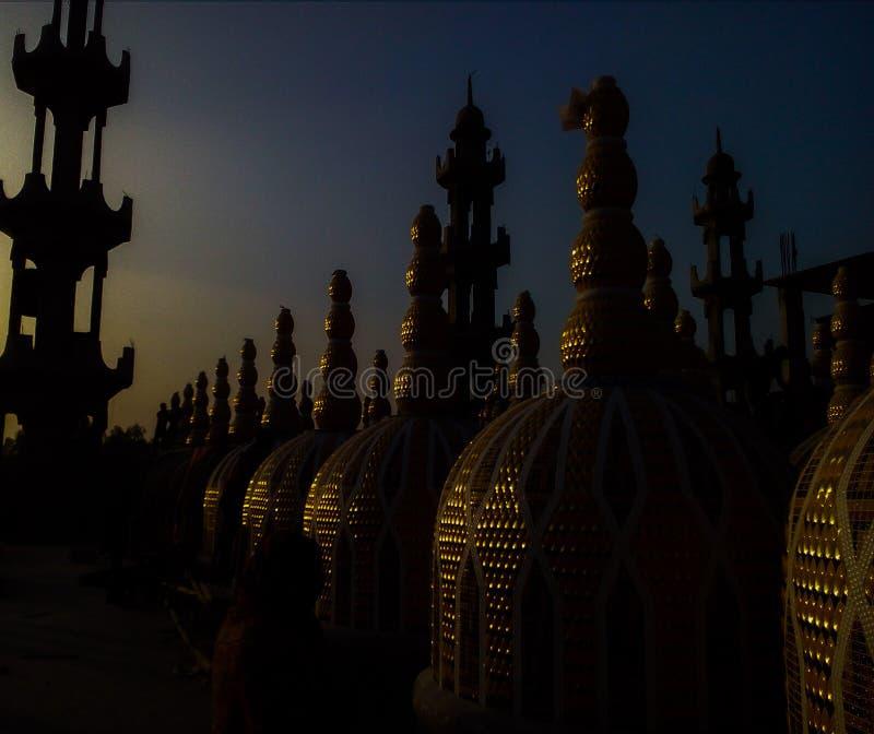 Efecto de la tarde de la mezquita de 200 Gambuj fotos de archivo