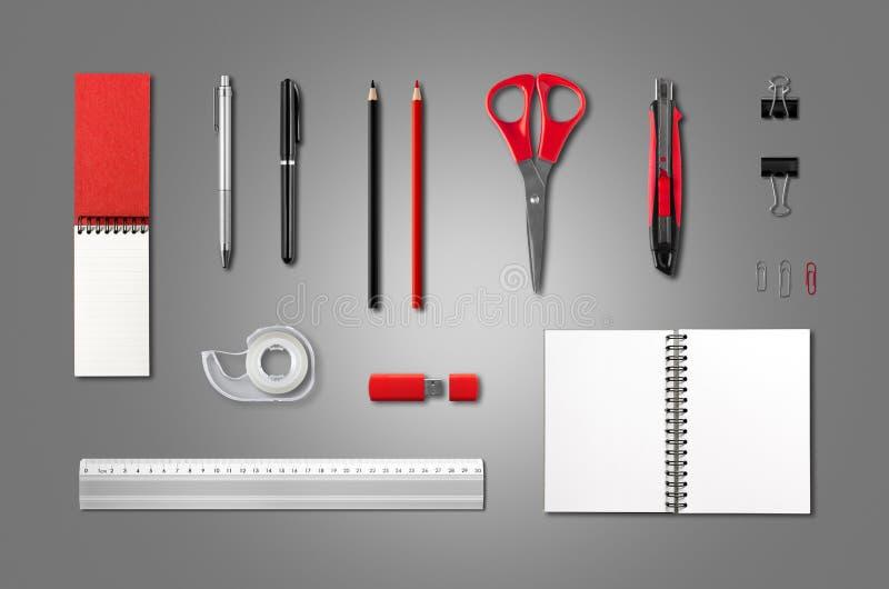 Efectos de escritorio, plantilla de la maqueta de los materiales de oficina, backgrou de antracita fotos de archivo libres de regalías