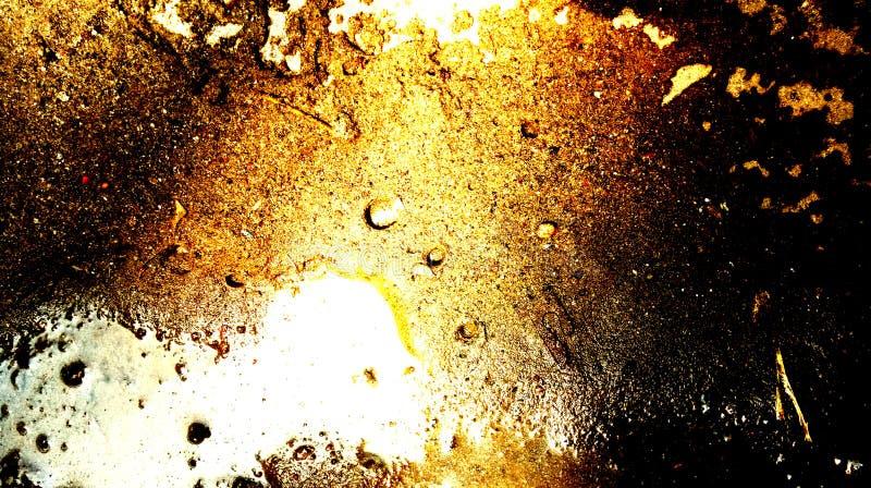 Efectos luminosos brillantes del oro del extracto sobre el agua del marrón de la arena en fondo de la textura de la arena ilustración del vector