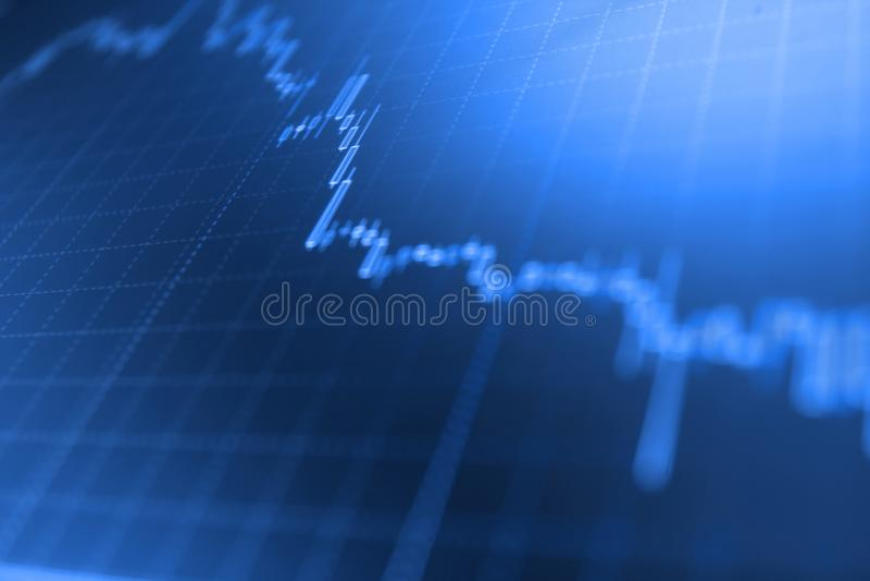 Effectenbeursgrafiek, grafiek op blauwe achtergrond Effectenbeurs en andere financiënthema's Marktrapport over blauwe achtergrond royalty-vrije stock afbeelding