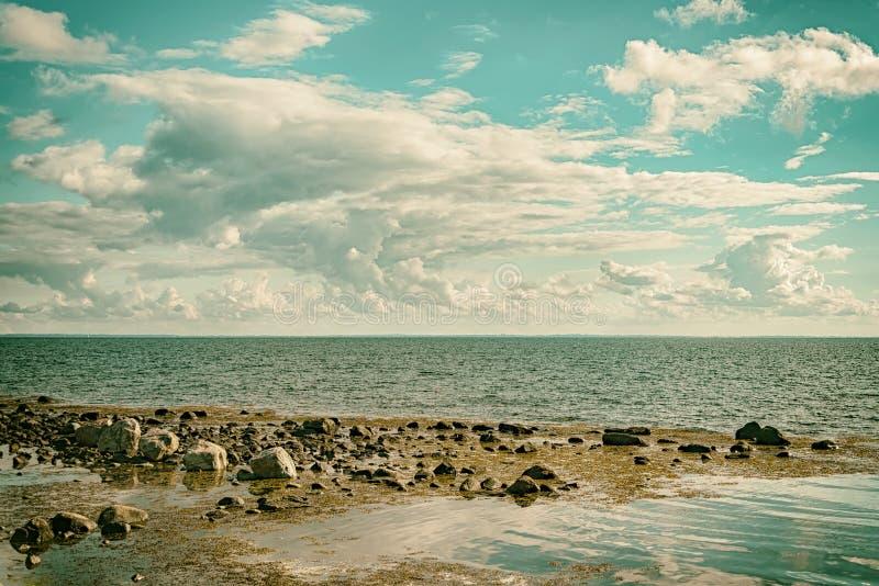 Effet de cloudscape de paysage marin rétro photo stock